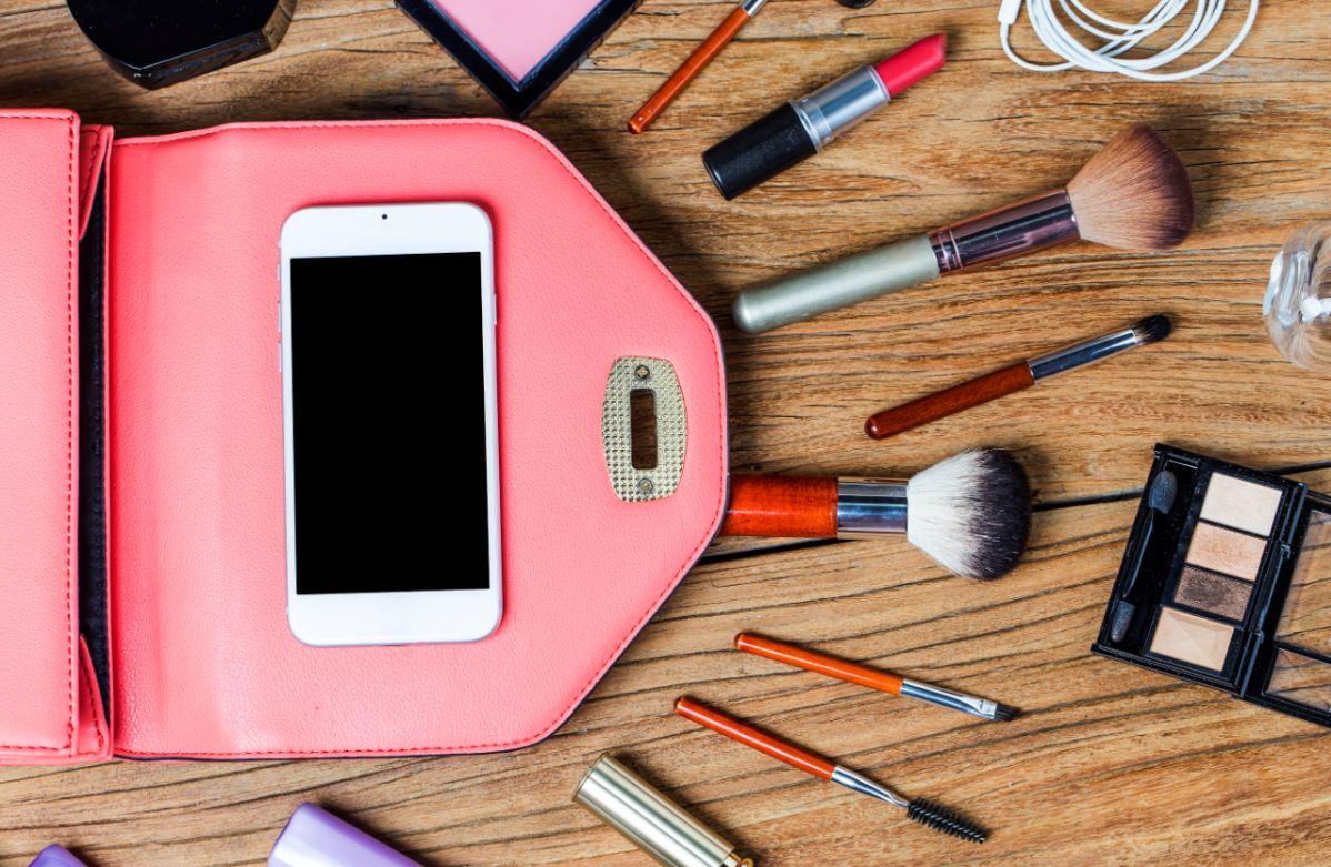 Zachowaj porządek w swoich kosmetykach